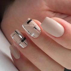Nageldesign 21 Easy Nail Designs For Short Nails You Should Try Right Now Elegant Nails, Stylish Nails, Trendy Nails, Short Nail Designs, Simple Nail Designs, Nail Art Designs, Nails Design, Diy Nails, Cute Nails