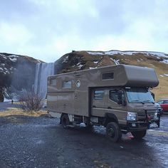 Mitsubishi Fuso 4x4 Overland Camper on german plates by Skógafoss falls #icelandcarculture #carspottingreykjavik #mitsubishi #fuso #mitsubishifuso #overland #offroad #offroadcamper #4x4 #proexpedition #provenoverland #arcticdrive #adventuremobile #overlandapproved #trucks #mmc #mmcfuso #carworld #lifted #carstagram #carspotting #carsofinstagram #instacar #icelandsecret #iceland