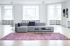 Helle Möbel wirken erfrischend und unaufdringlich. Die hellen Töne reflektieren…
