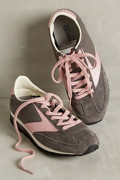 san francisco 10340 f144b Brooks Winter Vanguard Sneakers  anthropologie Rosa Turnschuhe, Sneakers  Mode, Extravagante Schuhe, Hippie