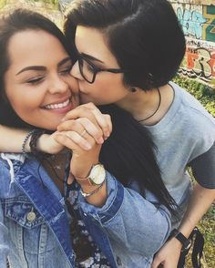 biz --the best bi dating site for bisexual and bi-curious looking for your local bisexual Lesbian Love, Cute Lesbian Couples, Cute Lesbian Quotes, Lesbian Art, Couples Lesbiens Mignons, Girlfriend Goals, Photo Couple, Cute Relationships, Relationship Goals