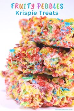 marshmallow treats You'll love this easy, no bake Fruity Pebbles Rice Crispy Treats recipe. Kids love these fun cereal bars, they're the best for parties and perfect for holiday des Recipes With Fruity Pebbles, Fruity Pebbles Rice Crispy Treats Recipe, Fruity Pebbles Cereal, Rice Krispy Treats Recipe, Rice Krispie Treats, Rice Crispy Bars, Marshmallow Cookies, Marshmellow Treats, Marshmallow Cream