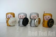 Super cute cork knights. What a fun & easy creative reuse project for your used bubbly corks. www.lmawby.com Idea from: www.redtedart.com
