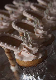 High-heel cupcakes