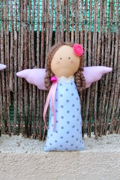 Costurera sin Dedal Scrap Fabric Projects, Fabric Scraps, Christmas Love, Diy Christmas Ornaments, Felt Crafts, Diy And Crafts, Handmade Angels, Angel Crafts, Waldorf Toys