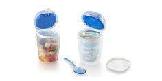 YOGURT ICE BOX - SNIPS s.r.l.  Dotato di coperchio ermetico per liquidi e tavoletta refrigerante, ideale per yogurt, dessert, frutta, macedonie, pappe etc. Cucchiaino incluso.  Capacità: 0.5 Lt.
