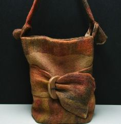 hand felted wool bag. me want.
