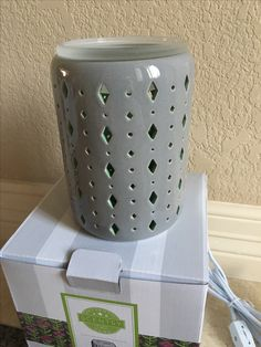 New Beacon Scentsy Warmer