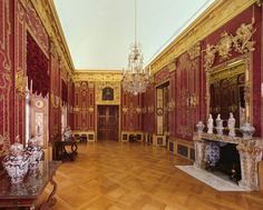 Berlin, Charlottenburg Palace, Old Palace, parade and living quarters of King Frederick I., Red Damastkammer