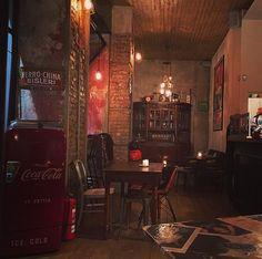 Fine giornata al #bcafe  ... #endoftheday #vintage #vintagedecor #vintagebar #rétro #milanoretro #vintagedecor #interiordesing #artdeco #specialplace #solocosebelle #architecture #design ... #milano #ig_milan #city #citylife #milanodavedere #picoftheday #instagood #instalife #instadaily #instalike #instagram #instagramers by anaehb