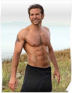 SOOOOO sexy when he's shirtless.love me some Bradley Cooper! Celebrity Bodies, Celebrity Crush, Bradley Cooper Shirtless, Ryan Gosling Shirtless, Very Bad Trip, Kino Theater, Cover Shoot, Blondes Sexy, Silver Linings