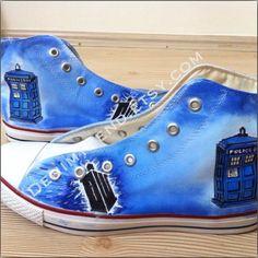 自Doctor Who Tardis Shoes on Converse  - handpainted custom shoes by denimtrend