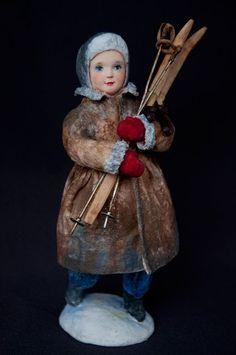 «Зимнее утро»  Другая эпоха, другой город.. Кто-то из ребят с санками выбежал на улицу, а Танюшка решила покататься на лыжах…