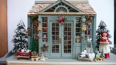 "Voici mon ""Christmas Shop"" enfin terminée... juste à temps pour Noël !       This is my ""Christmas Shop"" at last completed...just in time ..."