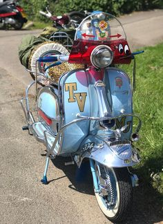 The Bulldog Run is a scooter rideout which attracts hundreds of riders to the rescue centre every year. Retro Scooter, Lambretta Scooter, Scooter Girl, Vespa Scooters, Ducati, Yamaha, Custom Vespa, Bulldog Rescue, Italian Scooter