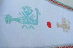 Veľká taška s motívom vták hrbáč /biela-červená-tyrkysová/