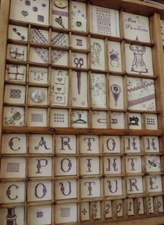 Broderies sur plusieurs cases formant un motif. Casier de JPC Embroidery Art, Embroidery Stitches, Printers Drawer, Printer Types, Crafts For Seniors, Type Setting, Little Boxes, Junk Journal, Shadow Box
