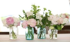 www.charlestonstems.com mason jar clusters This is our florist in charleston, for Paige's wedding. Love it