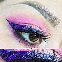 @makeupbymanda adds medium and long bunches of Creme lashes to this gorgeous sparkle purple wing.