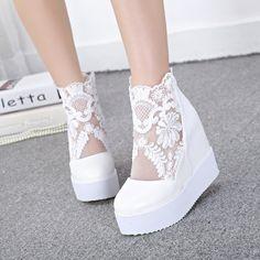 Nova cunhas salto alto sapatos moda bombas rendas mulheres sapatos elevador sapatos dedo do pé redondo Zapatos Mujer broto de seda sapatos plataforma senhoras em Bombas das mulheres de Sapatos no AliExpress.com | Alibaba Group