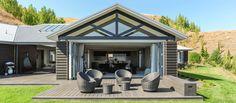 Innovative Architecture. Black Barn House, Havelock North