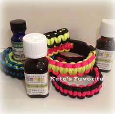 DIY Bug Repellent Paracord Bracelets. PERFECT for kids! A simple DIY anyone can do and the color options are ENDLESS!