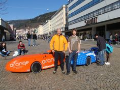 Bergen i Hordaland. WAW044 og WAW045 velomobiler med reklame