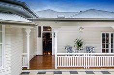 Grand Queenslander - Beach Style - Deck - Brisbane - Highgate House