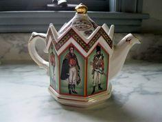 Ceramic Teapots, Porcelain Ceramics, China Porcelain, Vintage China, Vintage Teapots, English Teapots, China Teapot, China Tea Sets, Teapots And Cups