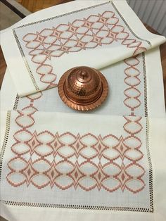 This Pin was discovered by nak Cross Stitch Designs, Cross Stitch Patterns, Embroidery Stitches, Embroidery Patterns, Bargello Needlepoint, Tree Patterns, Crochet Tablecloth, Beading Projects, Blackwork
