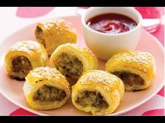 How to make sausage roll recipe - http://www.bestrecipetube.com/how-to-make-sausage-roll-recipe/