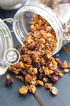 Granola (Homemade Granola) – Kitchen Secrets – Practical Recipes - My CMS Healthy Bars, Healthy Diet Recipes, Healthy Foods To Eat, Raw Food Recipes, Healthy Snacks, Healthy Eating, Muesli, Food And Drink, Cooking