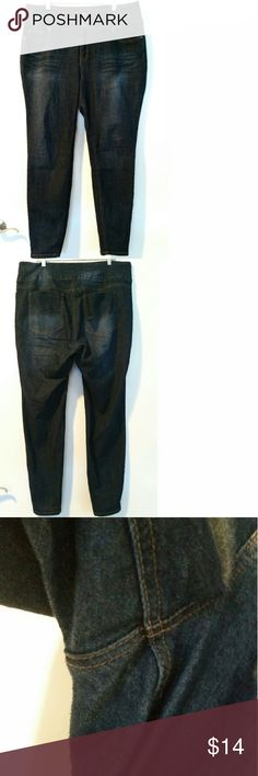 """Forever 21 Plus Size 18 High Waist Skinny Jeans These Forever 21 Plus Size 18 High Waist Skinny Jeans are in good used condition. They have a bit of pilling between legs. Waist measures 21"""" across laying flat, so 42"""" around. 13.5"""" rise. 30.5"""" inseam. ::: Bundle 3+ items from my closet and save 30% off when you use the app's Bundle feature! ::: No trades. Forever 21 Jeans Skinny"""