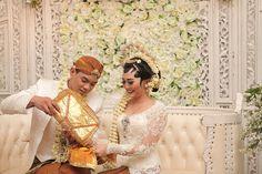 Pernikahan adat Jawa Kental di Kota Semarang - ADAT PANGGIH - KACAR KUCUR