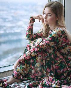 © Natalia Preobrazhenskaya Ice Skating, Figure Skating, Yulia Lipnitskaya, Medvedeva, Celebrity Stars, Aesthetic Clothes, Cute Girls, Skate, Celebrities