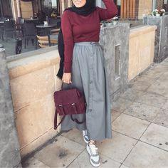 32 Ideas For Fashion Hijab Casual Dresses Muslim Modern Hijab Fashion, Hijab Fashion Inspiration, Muslim Fashion, Casual Hijab Outfit, Hijab Chic, Dress Casual, Hijab Style Dress, Skirt Fashion, Fashion Outfits