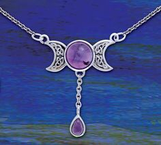 Beautiful wiccan tri-moon necklace