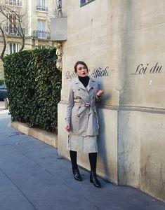 Parijs: UNIQLO x stijl Ines de la Fressange  #fressange #parijs #stijl #uniqlo Uniqlo, Fashion Models, Coat, Jackets, Women's Fashion, Outfit Ideas, Down Jackets, Jacket, Models