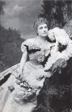 Infanta Eulalia of Spain: Two photos from the photo session of her 45th birthday in 1914.