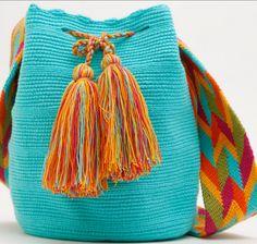 B oa tarde pessoal, quero fazer uma destas bolsas, mochilas como eles chamam: Para começar temos  que aprender a pronunciar o nome delas....