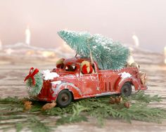 Vintage Red Truck and Christmas Tree Vintage by TheHeirloomShoppe Country Christmas Trees, Christmas Truck, Christmas Tree Decorations, White Christmas, Christmas Ornaments, Holiday Decor, Vintage Red Truck, Modern Farmhouse Style, Vintage Holiday