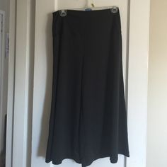 Black lightweight gauchos Silky, soft and stretchy gauchos. Thick comfortable waist band, full legs, hit 2-3 inches below knee Chic Star Pants Wide Leg
