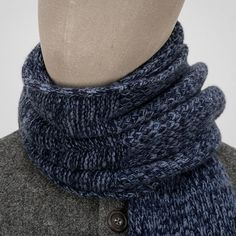 Scarves made in the British Isles — sometimes of the woven variety, and sometimes the knitted. Moss Stitch, Loom Knitting, Men's Accessories, Fingerless Gloves, Arm Warmers, Cashmere, Scarves, Dressing, Wool