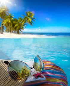 It's the height of summer, what do you have planned for your vacation? Beach Wallpaper, Summer Wallpaper, Photo Wallpaper, Summer Pictures, Beach Pictures, Nature Pictures, Bon Week End Image, Pizza Art, Tropical Art