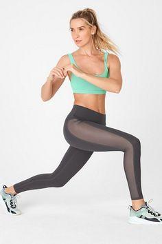 Fitness-Outfits & Sportbekleidung für Damen | Jetzt online kaufen | 50% Rabatt für VIP-Mitglieder | Fabletics Deutschland Designer Leggings, Fitness Outfits, Beste Leggings, Comfortable Bras, Hip Bones, 2 Piece Outfits, Mesh Panel, Overall, M Color