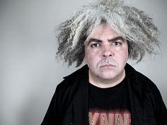 """El frontman de Melvins, Buzz Osborne, ha hecho saber a The Talk House que el documental sobre la figura de Kurt Cobain, """"Kurt Cobain: Montage Of Heck"""" le parece """"un 90% mentira."""" Fui al instituto con Kurt y fui una gran parte de la vida de los tíos de Nirvana antes y después de hacerse …"""