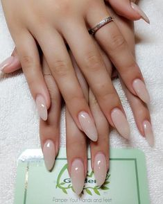 64 Chic Natural Almond Acrylic Nails Shape Design You Won't Resist This Spring… – Nails If you want to have beautiful hands, you should know how to choose the best nail shape for your fingers. Almond Acrylic Nails, Cute Acrylic Nails, Cute Nails, Pretty Nails, Long Almond Nails, Almond Shape Nails, Rounded Acrylic Nails, Cute Almond Nails, Almond Nail Art