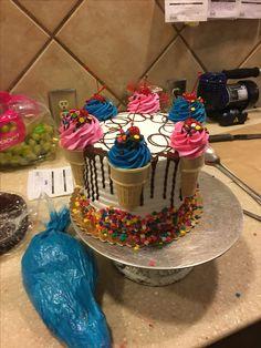 simple mug cake Cupcake Decorating Tips, Birthday Cake Decorating, Cake Decorating Techniques, Cookie Decorating, Buttercream Cake Designs, Cake Icing, Cupcake Cakes, Frosting, Pretty Cakes
