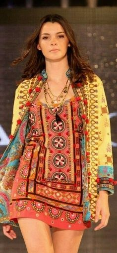 Rapsodia tribal tunic, I'd wear this as a top with jeans Hippie Chic, Hippie Style, Gypsy Style, My Style, Boho Gypsy, Bohemian Mode, Bohemian Style, Boho Chic, Ethnic Fashion