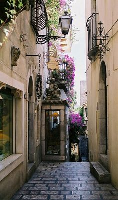 Taormina, Sicily, Italy (by picacch on Flickr)